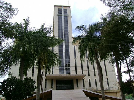 Catedral-Foto:Gildazio Fernandes [Panoramio]